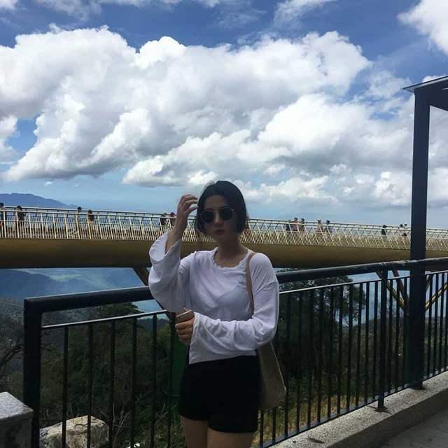 Em và mây, anh chọn ai? :)))