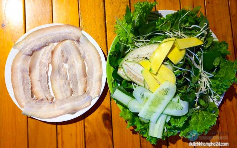 Bánh tráng cuốn thịt heo Đà Nẵng món ăn ngon khó cưỡng